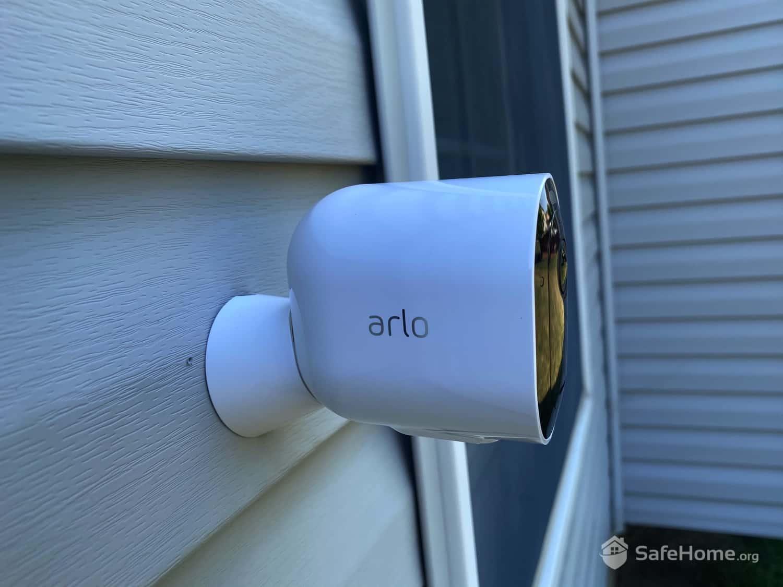 Arlo Pro 3 Mounted Outside