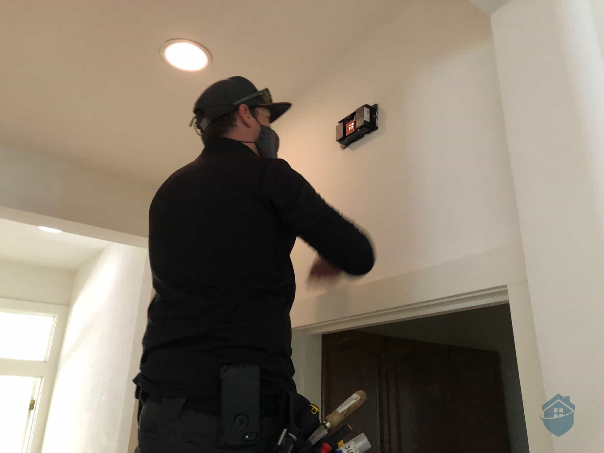 Don Installing the Vivint Doorbell Chime Box