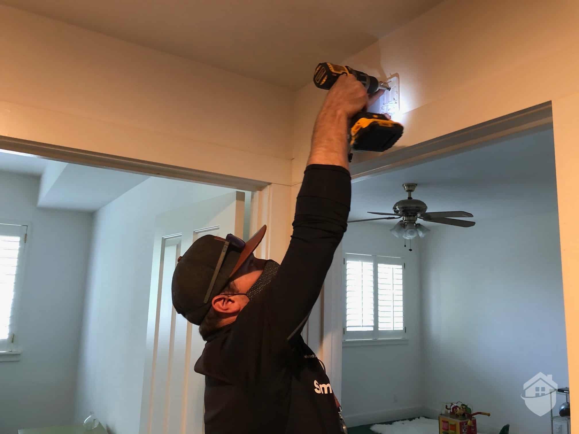 Don Installing the Vivint Glass Break Sensor